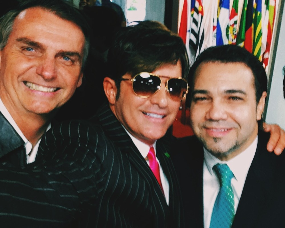 Dr. Rey tira selfie com os deputados Jair Bolsonaro (esq.) e Marco Feliciano (dir.)