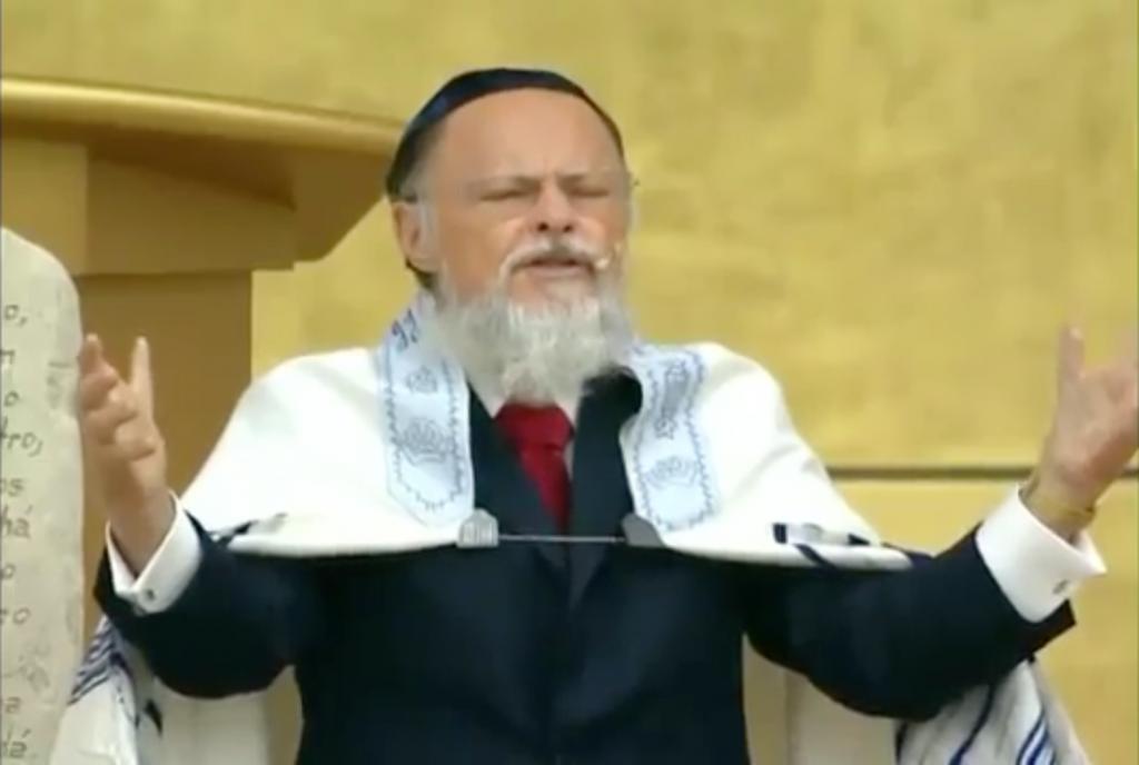 Edir Macedo discursa na abertura do templo para bispos e pastores (reprodução)