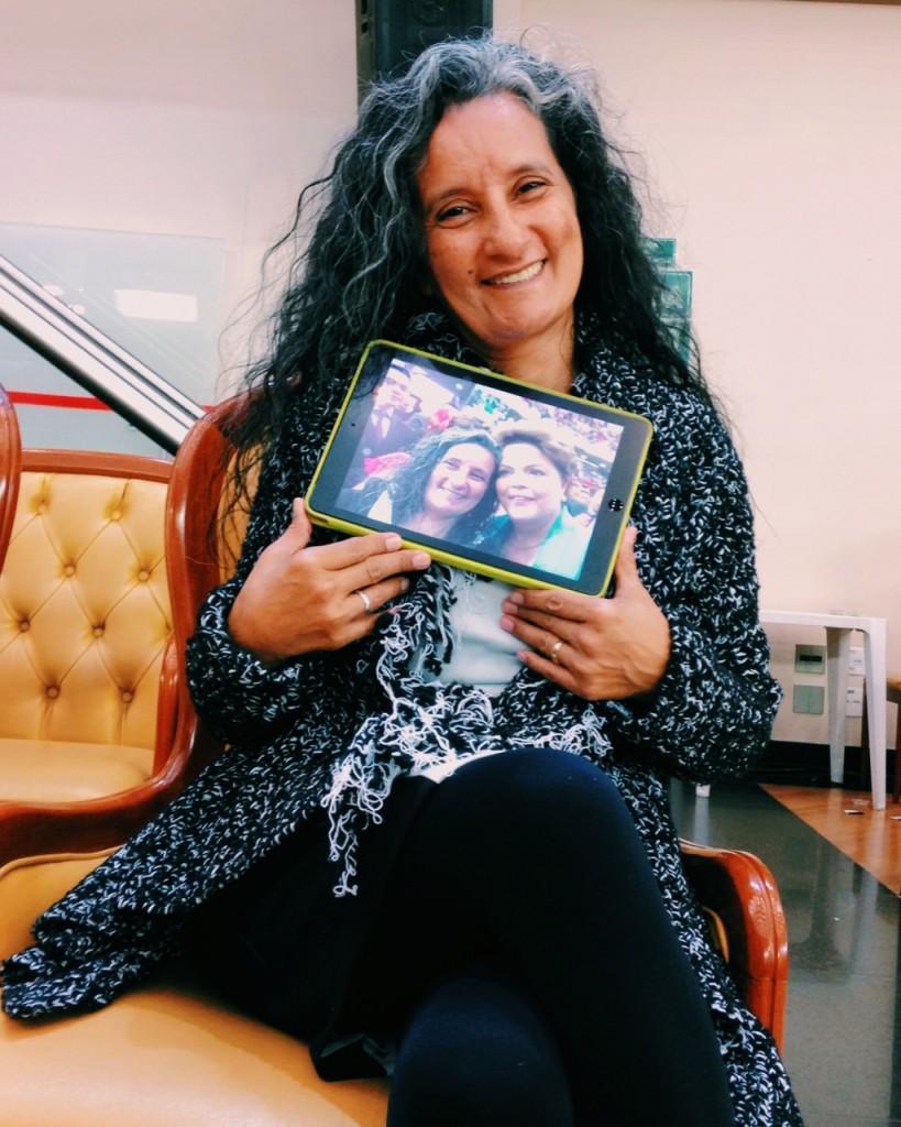 A médica Cirlei Lobato e sua selfie presidencial (Anna Virginia Balloussier/Folhapress)