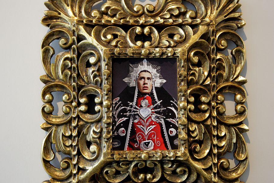 O peruano Giuseppe Campuzano retrata Nossa Senhora como travesti (Reinaldo Canato/UOL)