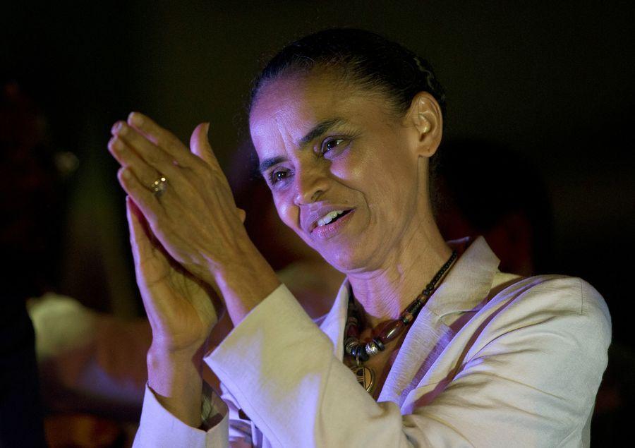 Marina Silva, presidenciável do PSB, em ato eleitoral (AP Photo/Silvia Izquierdo